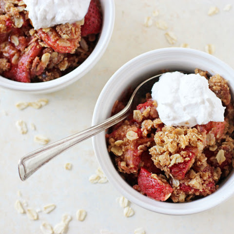 Vegan Strawberry Crumble