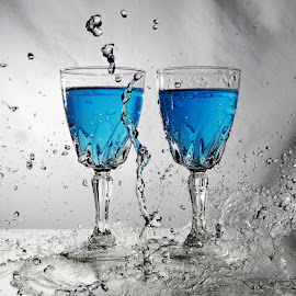 Double glass splash by Peter Salmon - Artistic Objects Glass ( water, splash, glasses, blue, glass )