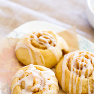 {30-Minute} Mini Vanilla Latte Cinnamon Rolls + a Giveaway!