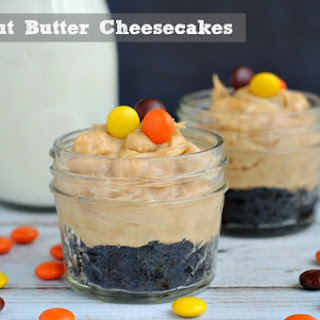 Mini Peanut Butter Cheesecakes in Jars