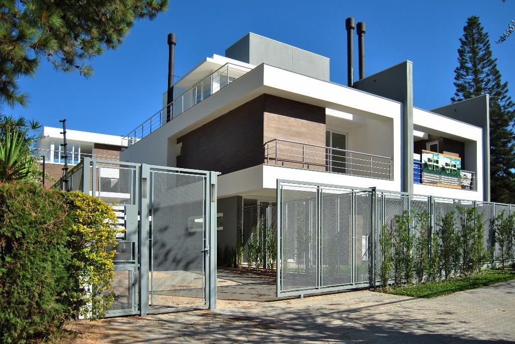 Casa de 3 dormitórios à venda em Vila Assunção, Porto Alegre - RS