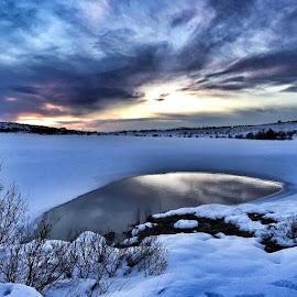 Hressandi sunnudags gönguferð #vífilstaðavatn #blue #reflection #clouds by Siffa Jónasdóttir - Instagram & Mobile iPhone