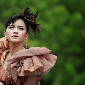 Yasha Dinda by Pande Putu Krisna Wedana - People Fashion