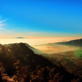 Enjoy Sunrise by Hirza Kini - Landscapes Mountains & Hills ( indonesia, sunrise, landscape, bromo )