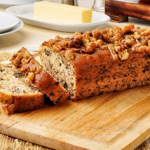 Oatmeal Cake With Banana And Nuts