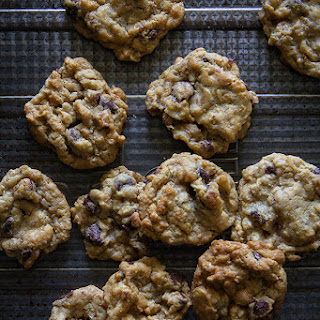 Crisp Oatmeal Chocolate Chip Cookies