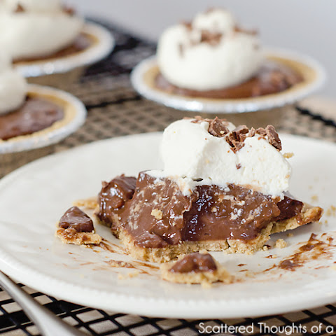 Mini Chocolate Pudding Pies (w/ Almond Milk)