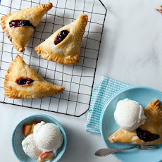 Easy Summer Fruits Turnovers a la Mode