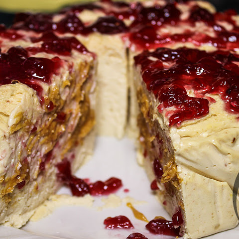 Peanut Butter & Jelly PROTEIN Cheesecake