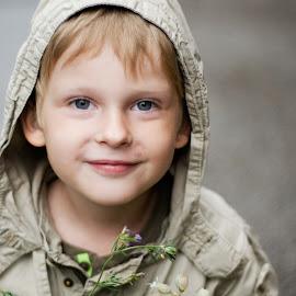 by Nadezda Tarasova - Babies & Children Child Portraits ( childhood, boy, smile )
