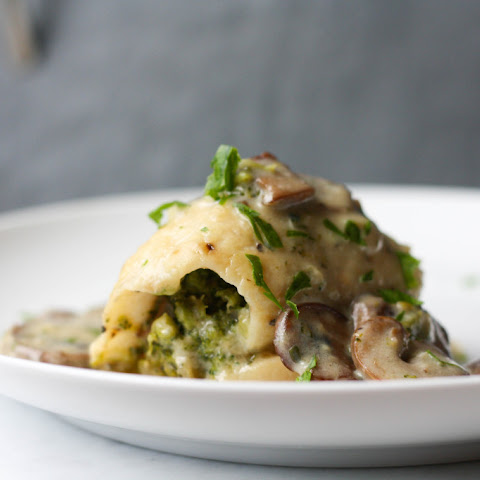 Stuffed Sole with broccoli and mushroom sauce