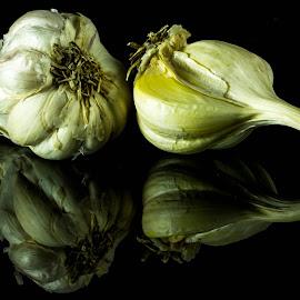 Garlic! by Sadatul Islam - Food & Drink Fruits & Vegetables ( #reflection, #closeup, #macro, #garlic, #food )