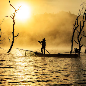 New day by Kenji Le - Landscapes Sunsets & Sunrises ( water, fog, fishing, sunrise, boat )