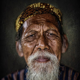 Smile by Indrawan Ekomurtomo - People Portraits of Men