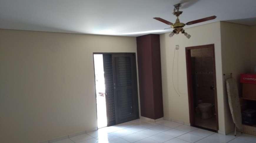 Casa para Aluguel 290 m²  com 3 quartos