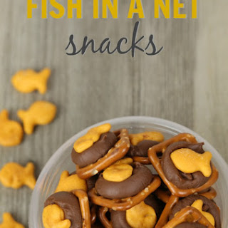 Chocolate Pretzel Goldfish Snacks