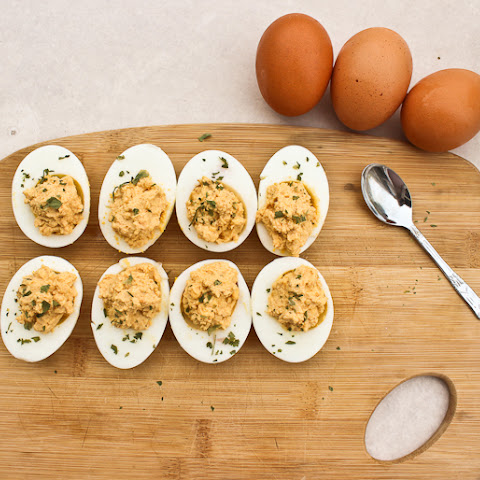 French deviled eggs | Oeufs mimosa