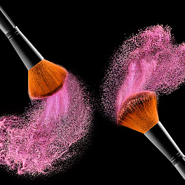 cosmetic brush by Rami Yazagi - Digital Art Things ( product, cosmetics, advertising, commercial, photography )