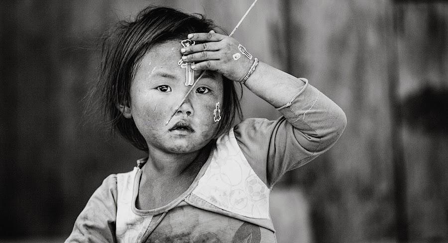 Kid from north Vietnam by Thomas Jeppesen - Babies & Children Children Candids ( child, blackandwhite, b&w, bw, vietnamese, vietnam, portrait, hmong )