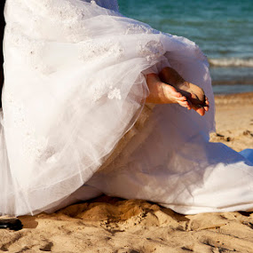 Beach Wedding by Brent Foster - Wedding Bride & Groom ( photos, canada, wedding, beach )