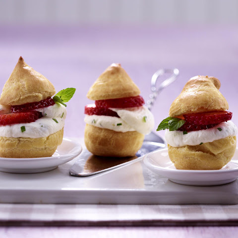 Petit Choux with Strawberries and Mint Cream