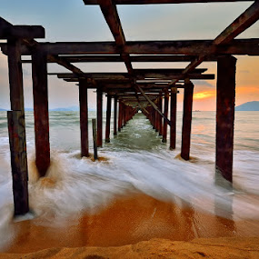 Under the bridge by Hendri Suhandi - Landscapes Waterscapes ( sunset, travel, bridge, beach )
