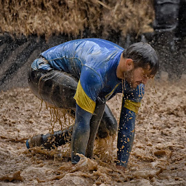 Up'n Go ! by Marco Bertamé - Sports & Fitness Other Sports ( water, muddy, splatter, splash, differdange, blue, 2015, brown, yellow, soup, strongmanrun, luxembourg )