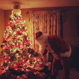Santa by Josh Pingel - Public Holidays Christmas ( christmas santa )