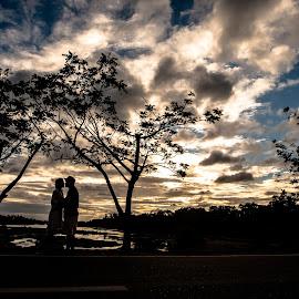 Silhuoette by Wayne Augusto - Wedding Bride & Groom
