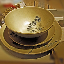 OLI sl 50 by Michael Moore - Artistic Objects Cups, Plates & Utensils