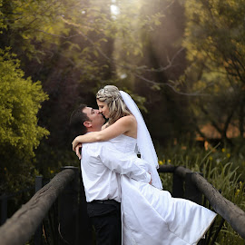 by Pierre Vee - Wedding Bride & Groom