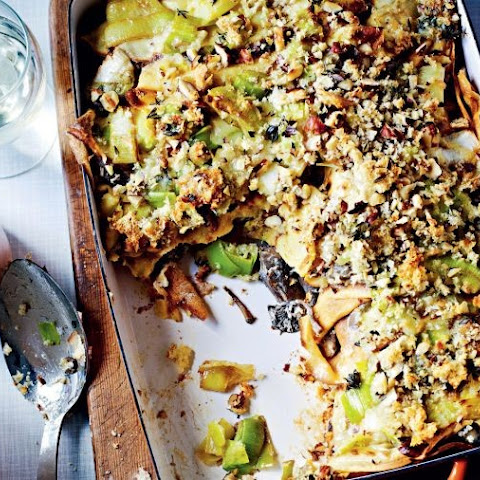 Jamie Oliver's vegetarian gorgonzola, mushroom and leek crespelle bake