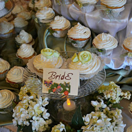 Cupcakes by Brenda Shoemake - Wedding Reception