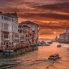 Sunrise In the Canal by Luis Silva - City,  Street & Park  Street Scenes ( venice, sunrise, boat, drama, italy, canal, veneza )