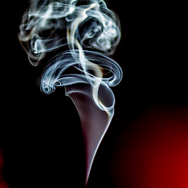 Art of amoke... by Rajeev Krishnan - Abstract Patterns ( art of smoke, smoke art, smoke photography, artistic objects, smoke,  )