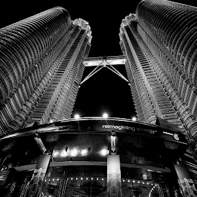 Petronas Twin Towers by Stuart Rango - City,  Street & Park  Vistas