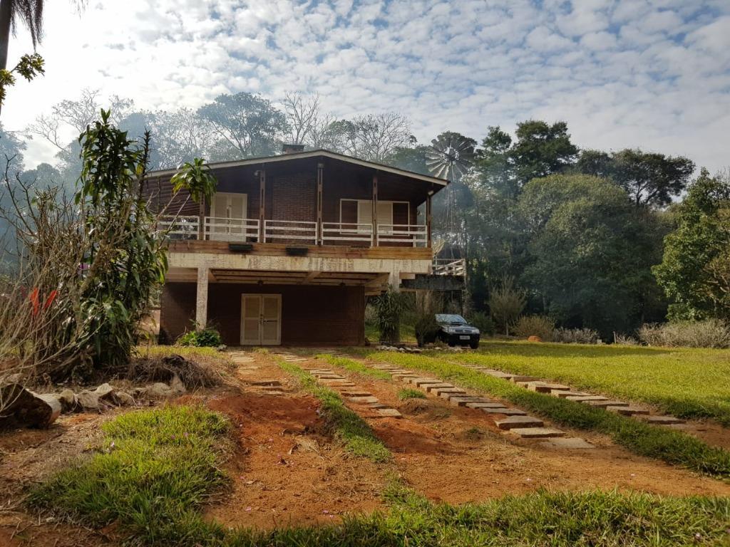 Sítio com 3 dormitórios à venda, 44000 m² por R$ 500.000,00 - Boa Vista - Atibaia/SP