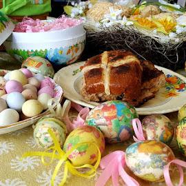 by Karen McGregor - Public Holidays Easter