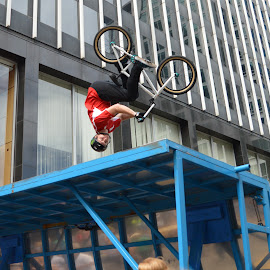 Dude Up! by Thomas Shaw - People Musicians & Entertainers ( bule, building, bike, wheels, bmx, helment, dirt bike, stunt, upsidedown, flip, bicycle, ramp )