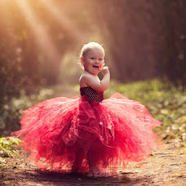 Emily by Claire Conybeare - Chinchilla Photography - Babies & Children Toddlers