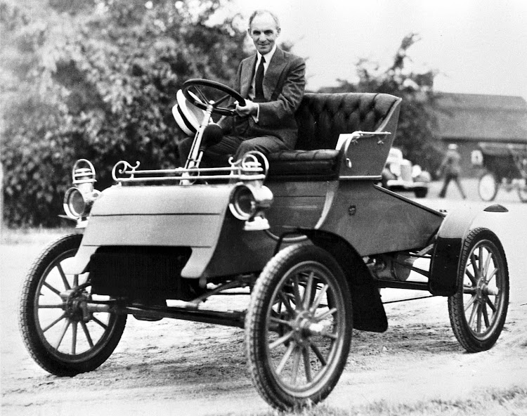 Henry Ford Geniuses Changed the World History