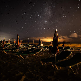 Have a rest under the stars by Wojciech Toman - Landscapes Starscapes