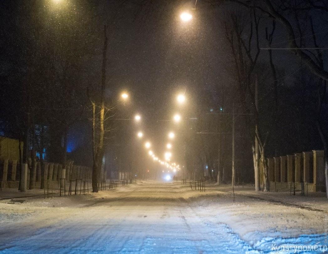 ZPLIneua_O2MNg3-UFK-jRzassc9mFGgkrFhdPdhJSZTxZBA6PPAKwocJt6WomqD6fuQFHNIcUkyBWA=w1440-h810-no Снегопад превратил Одессу в сказку