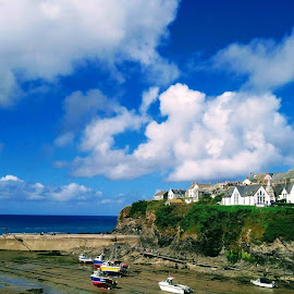 Port Isaac by Gay Reilly - Novices Only Landscapes
