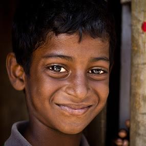 Smile....! by Karthikeyan Chinnathamby - Babies & Children Child Portraits ( child, karthikeyan, chinnathamby, kilambi, boy, portrait, chennai, kid, tamilnadu,  )