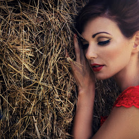 Valentina by Marina Jambrec - People Fashion ( jambrec, marina, my, design, photography )