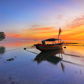 perahuku by Fredy Hariyetno Full - Landscapes Sunsets & Sunrises