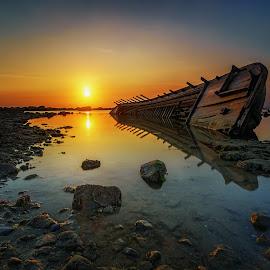 Shine a Light by Jose Hamra - Landscapes Sunsets & Sunrises ( indonesia, sunset, wreck, anyer, sunrise, banten )