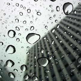 Raindrops in Turin (from a taxi) by Tommaso Casoni - City,  Street & Park  Skylines ( #taxi, #turin, #reflections, #raindrops, #rain )
