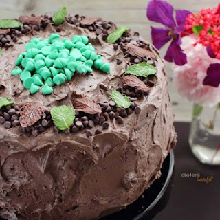 Mint Cheesecake Cake - Easy Chocolate Frosting